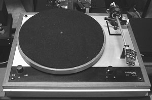 Thorens TD160