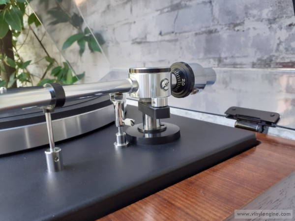 National Panasonic SL-31 tonearm detail