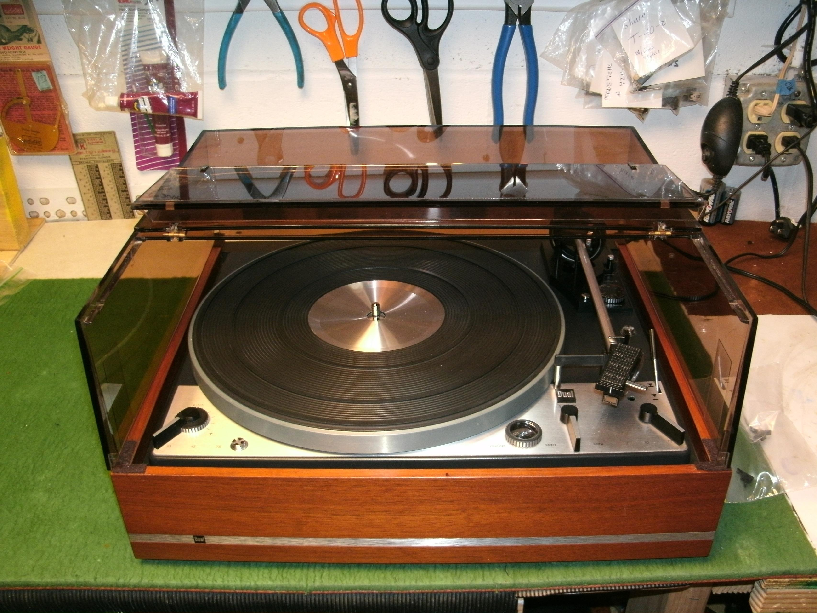 Dual 1229 turntable 008 (Copy).JPG