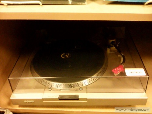 2nd & Charles Sony turntable