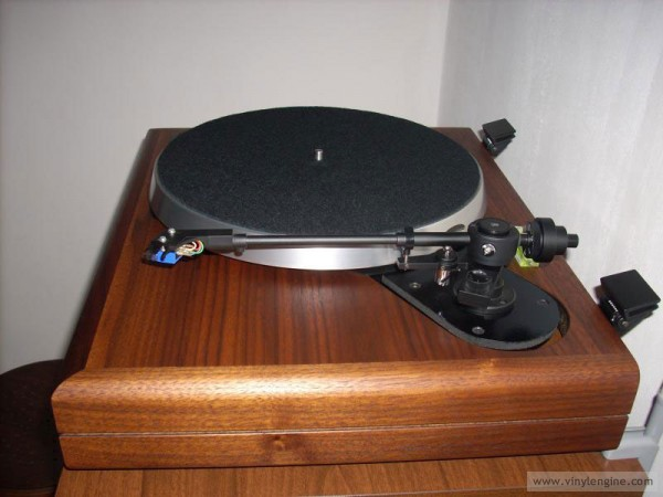 Ar The Turntable 03